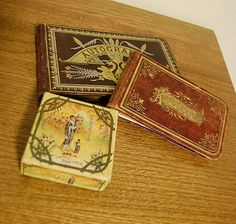 Pait of #Vintage Autograph books and a Small Dainty #Antique Lazell Perfume Box Japan $45.00