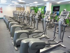 Queen Mother Sports Centre, London, SW1V 1EL | PayasUgym.com | Fitness Classes, Day Passes and No-Contract Gym Memberships