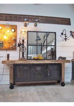 Etabli chene ancien deco pinterest table mobilier de salon et meuble - Meuble industriel versailles ...