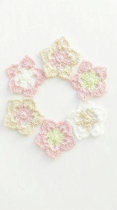 Crochet flower applique~crochet flower embellishment~flower in pastel shades~crochet spring decoration~crochet applique~baby flower~set of 6