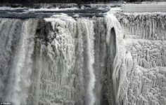 10 Most Stunning Photo Of a Frozen Niagara Falls