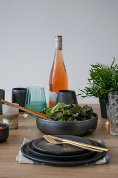 Salad Bowls, Ceramic Plates, Pottery, Ceramics, Table Decorations, Handmade, Black, Pottery Plates, Ceramica