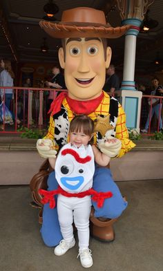 Kids Costumes Girls, Family Halloween Costumes, Disney Halloween, Baby Halloween, Halloween Treats, Toy Story Halloween Costume, Toy Story Costumes, Diy Costumes, Toy Story Kostüm