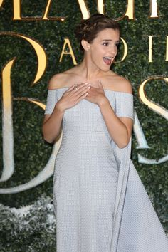Emma Watson Is Full Cinderella on the 'Beauty and the Beast' Red Carpet blue dress Style Emma Watson, Emma Watson Belle, Emma Watson Stil, Emma Watson Beautiful, Beautiful Celebrities, Beautiful Actresses, Beautiful People, Amazing People, Enma Watson