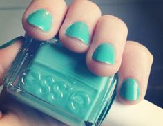 sea green nails  I'm like obsessed with this color green