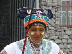 Africa | Xhosa woman.  Cape Province, South Africa | ©Jacqui Braunlich