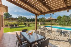 VILLA ALEXANDRA is located in beautiful countryside midway between the old town of Pollensa and the popular beach resort of Puerto Pollensa.
