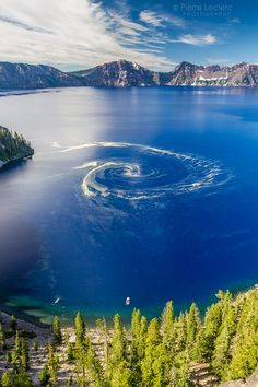 Giant swirl, A rare and Unique phenomenon at crater lake national park, Oregon.