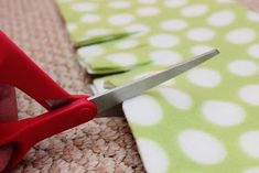 DIY Fleece Crib Rail Guard (No Sew). Noticed teething marks on that beautiful crib today, so this is a must!