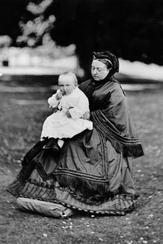 Queen Victoria with her great-grandson Prince William, the last crown prince of the German Empire, 1883.
