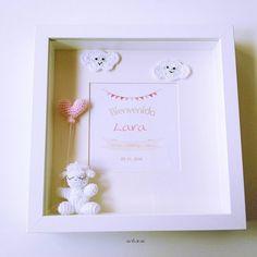 Cuadro de nacimiento ovejita birth frame sheep .................... in my store:  artesesa.bigcartel.com .................... #buenosdías#artesesa#artesaniadegalicia#amigurumi#amigurumis#baby#dolls#regalo#gift#regalos#gifts#babyroom#kidsdeco#toys#handmade#babys#9meses#pregnat#maternidad#motherhood#mibebé#mybaby#mama#babytoys#reciénnacido#babygirl#nurserydecor#barnrumsinspo#pregnancy#instababy by artesesa
