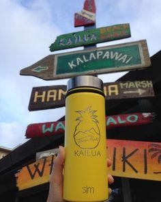 A Kailua bottle in Kailua town!カイルアの Three Peaks でしか 入手出来ないオリジナル ボトル 夏季限定 黄色 発売開始です #hawaii #kailua #kailuabeach #lanikaibeach #kailuatown #wholefoods #beer #craftbeer #threepekombuchaakshawaiigift #threepeaks #hydroflask #nitrocoffee #kombucha #gift #localsesigner #island #glutenfree #hydroflask  #ハワイ #カイルア #ギフト  #ホールフーズ #クラフトビール #地ビール #ハワイ限定 #お土産 #ハワイ旅行 #オススメ #ラニカイ #ハイドロフラスク Red Bull, Energy Drinks, Beverages, Gift Ideas, Canning, Gifts, Presents, Favors, Home Canning