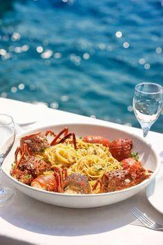 Au bord de la #mer, on choisit un #vindeBordeaux blanc sec vif et fruité comme un #SainteFoyBordeaux pour accompagner ces #spaghetti aux fruits de #mer !