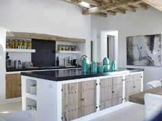 Thanks to its 57 different beaches, party atmosphere and boho chic style, Ibiza living is increasingly popular. The latest luxury property trends in Ibiza Küchen Design, House Design, Design Trends, Villa Design, Mediterranean Kitchen, Mediterranean Style, Concrete Kitchen, Concrete Wood, Cuisines Design