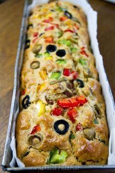 Wytrawny keks z warzywami - wersja włoska