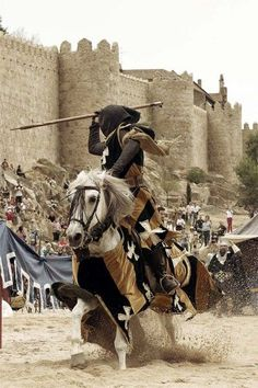 """""""Guerrero Medieval"""" Fotografía ganadora concurso #AvilaMedieval 2013 jousting."""