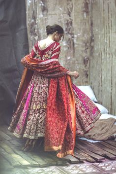 Zarmisha Dar's 'Husn e Kham' Bridal Collection, 2017.