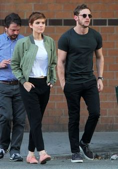 Kate Mara & Jamie Bell Out For A Stroll In New York City