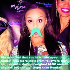 Nia was on on the team longer. This does not mean that Nia is rude. She just feels a little left behind Dance Moms Memes, Dance Moms Comics, Dance Moms Facts, Dance Moms Dancers, Dance Mums, Dance Moms Girls, Waltz Dance, Dance Quotes, Dance Sayings