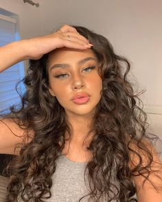 Curly Hair Styles, Natural Hair Styles, Aesthetic Hair, Hair Looks, Pretty Face, Pretty People, Her Hair, Hair Inspiration, Makeup Looks