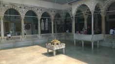 A courtyard in the Topkapı Palace.