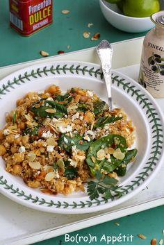 Sałatka z komosy ryżowej i szpinaku