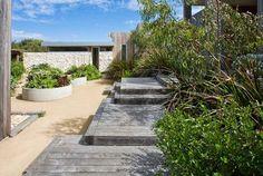 steps/ platforms down by outdoor shower Dry Garden, Blue Garden, Beach Landscape, Landscape Design, Plant Design, Garden Design, Outdoor Retreat, Outdoor Decor, Back Gardens