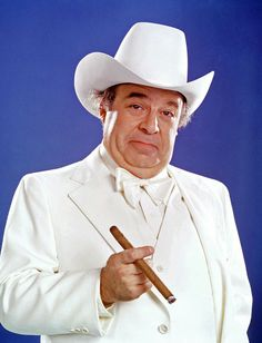 Sorrell Booke (January 4, 1930 - February 11, 1934) American actor (o.a. The Dukes of Hazzard).