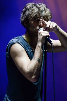 Paolo Nutini <3 <3 - Caustic tour Paolo Nutini, I Fall In Love, Falling In Love, British Men, My Boys, Hello Gorgeous, Sexy Men, Music, British Guys