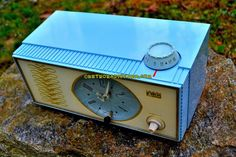 """WEDGEWOOD BLUE Retro Mid Century Vintage 1965 Arvin Model 53R05 AM Tube Clock Radio Works Great Looks Great! DIMENSIONS: Approximately 11"""" x 5.5"""" x 5"""" (l x w x"""
