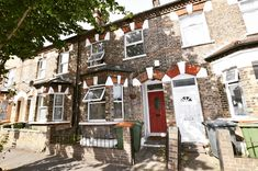 Sale completed today✔️  Congratulations to the new #owners of this charming brick fronted Victorian two bedroom terraced house in Stratford E15 🔑🍾🥂  Another #happy created by the team at Abidin's ❤  #abidins #property #people #estateagent #estatesale #estateagentlife #sold #today #victorian #house #houses #selling #stratford #e15 #leyton #e10 #agents #eastlondon #london #londonhome #londontown #londonlife #eastlondon #westfield