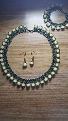 Best 10 Jewellery Outlet Online few Jewellery Box Kate Spade – SkillOfKing. Seed Bead Necklace, Seed Bead Jewelry, Necklace Set, Beaded Jewelry, Handmade Jewelry, Ring Earrings, Beaded Earrings, Beaded Bracelets, Beaded Necklace Patterns