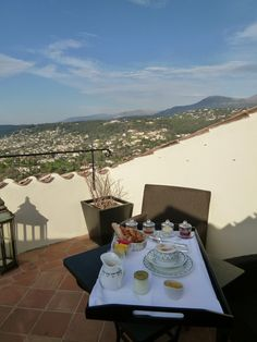 "Prima colazione, ""Suite"" Camera di ""Hotel Le Saint Paul"", Saint-Paul de Vence, France (Marzo)"