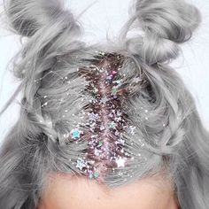 CLICK HERE http://www.youtube.com/channel/UCqEqHuax3qm6eGA6K06_MmQ?sub_confirmation=1 When in doubt just add glitter  #feelingfabulous #hairinspo #axparis #inspo #glitter by axparis