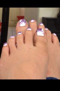 Pupple toe nails design
