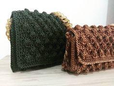 Mais duas prontas para partir✈️✈️ Obrigada mais uma vez pela confiança @crispellegrinehotmailcom  #handmande #bagstreet #estilo #tendência… Popcorn Stitch, Knitted Hats, Knitting, Instagram, Fashion, Crochet Purses, Trends, Style, Moda