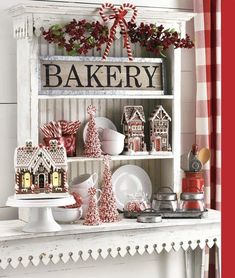 Essential things for inspiring elegant Christmas kitchen decor ideas 24 – … – christmas decorations Farmhouse Christmas Decor, Christmas Kitchen, Country Christmas, All Things Christmas, Christmas Home, Christmas Holidays, Christmas Crafts, Holiday Decor, Christmas Ideas
