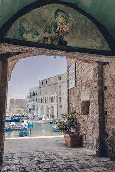 Entrée du port de Monopoli - Les Pouilles, Italie