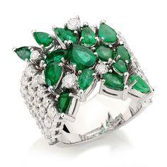 Esmeraldas e diamantes em ouro branco
