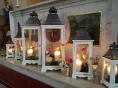 Altar lanterns, fresh flower lanterns, simple, pretty Church Fashion, Church Ceremony, Fresh Flowers, Altar, Candle Sconces, Vip, Lanterns, Wall Lights, Candles