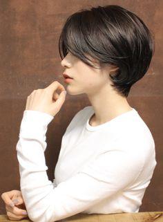 Short Hair Tomboy, Girl Short Hair, Haircuts Straight Hair, Short Hair Cuts, Shot Hair Styles, Long Hair Styles, Korean Short Hair, Hair Color Streaks, Short Hair Model