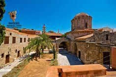 The Church of Saint George - Η εκκλησία του Αγίου Γεωργίου στον προμαχώνα!