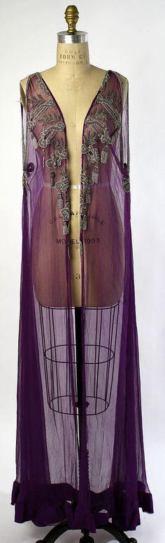 Negligée - 1918 - Silk (front view)