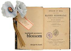 blossom -handmade accessory-