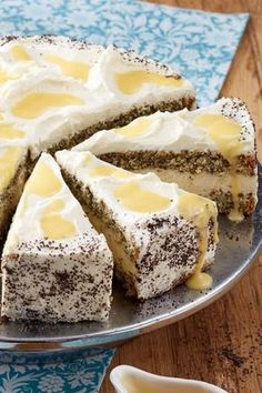 Delicious eggnog cake: recipe with mascarpone & poppy seed biscuit - recipes - picture . - Delicious eggnog cake: recipe with mascarpone and poppy seed biscuit – Recipes – bildderfrau. Pie Recipes, Cookie Recipes, Dessert Recipes, Pasta Recipes, Mascarpone Cake, Eggnog Cake, Biscuit Recipe, Biscuit Cake, Food Cakes