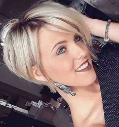 The best collection of Cute Short Bob Haircuts, Latest and best Short bob hairstyles, haircuts, hairstyle trends 2018 year. Bob Haircuts For Women, Bob Hairstyles For Fine Hair, Short Bob Haircuts, Hairstyles Haircuts, Haircut Short, Hairstyle Short, Amazing Hairstyles, Ladies Short Hairstyles, Medium Hairstyles