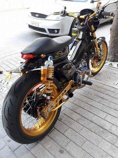 Honda Motorbikes, Honda Motorcycles, Trike Motorcycle, Moto Bike, Cb 500, Cafe Racer Honda, Honda Cub, Offroader, Barong