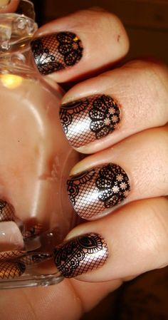 NOTD: imPress Press on Nails in Holla! #lacenails #nailart #partynails - bellashoot.com