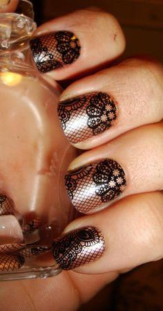 NOTD: imPress Press on Nails in Holla! #lacenails #nailart #partynails - bellashoot.com