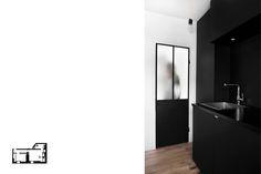 Cuisine noire Peinture ardoise Porte fer et verre fumé type